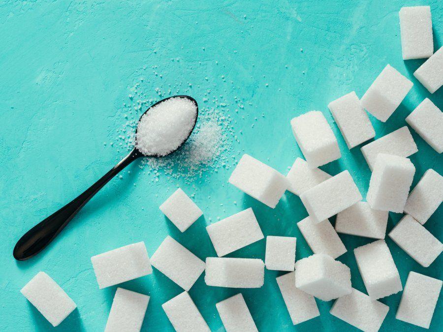 Una mujer puso azúcar sobre la impactante herida de un diabético y desató el repudio en las redes