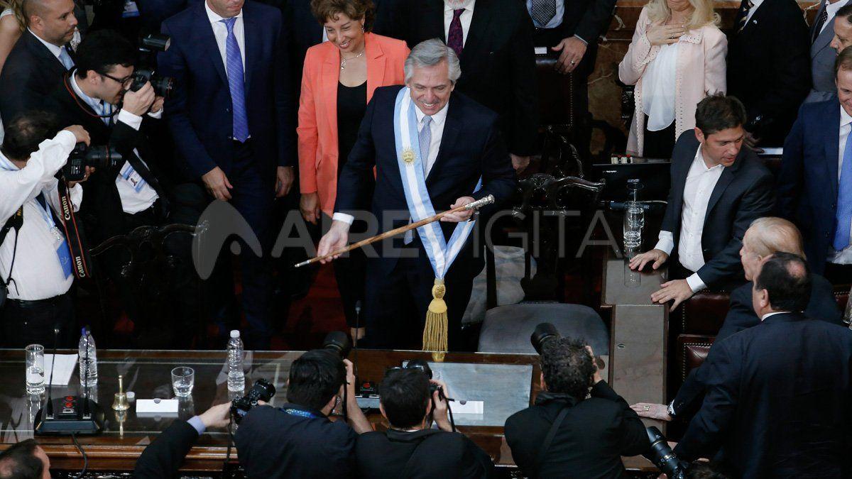Las medidas de Alberto Fernández que buscan balancear la economía argentina en su primer mes como presidente