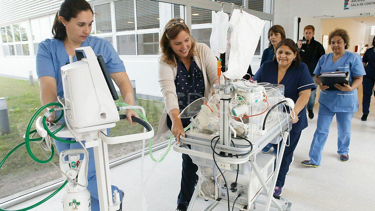 Los bebés internados en la neo del Hospital Iturraspe fueron los primeros en llegar al nuevo edificio en Blas Parera.