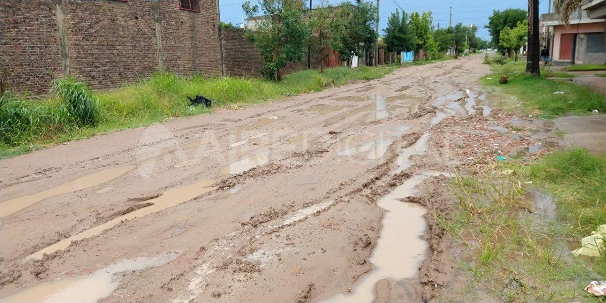 Desagüe Espora: una obra inconclusa y calles intransitables tras la lluvia