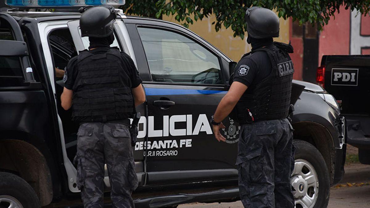 Investigan a un policía vinculado a varios casos de violencia de género y amenazas