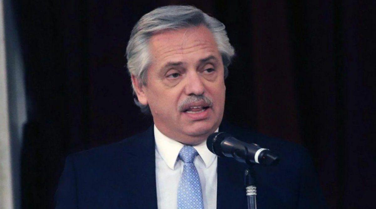 El presidente eligió embajador y aseguró que le gustaría mucho reunirse con el Papa