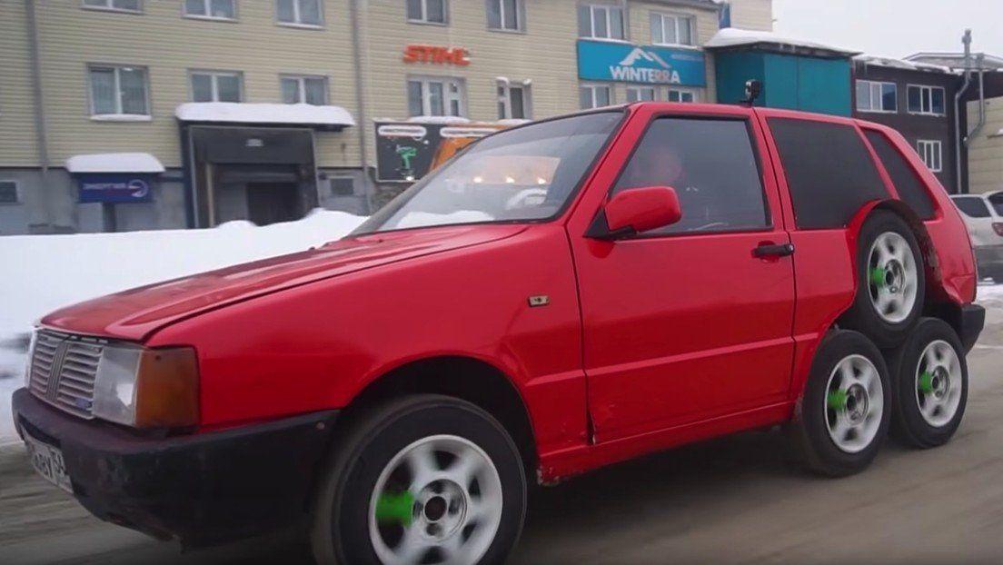 Mecánicos rusos sorprenden al convertir un viejo coche en un raro monstruo de 8 ruedas