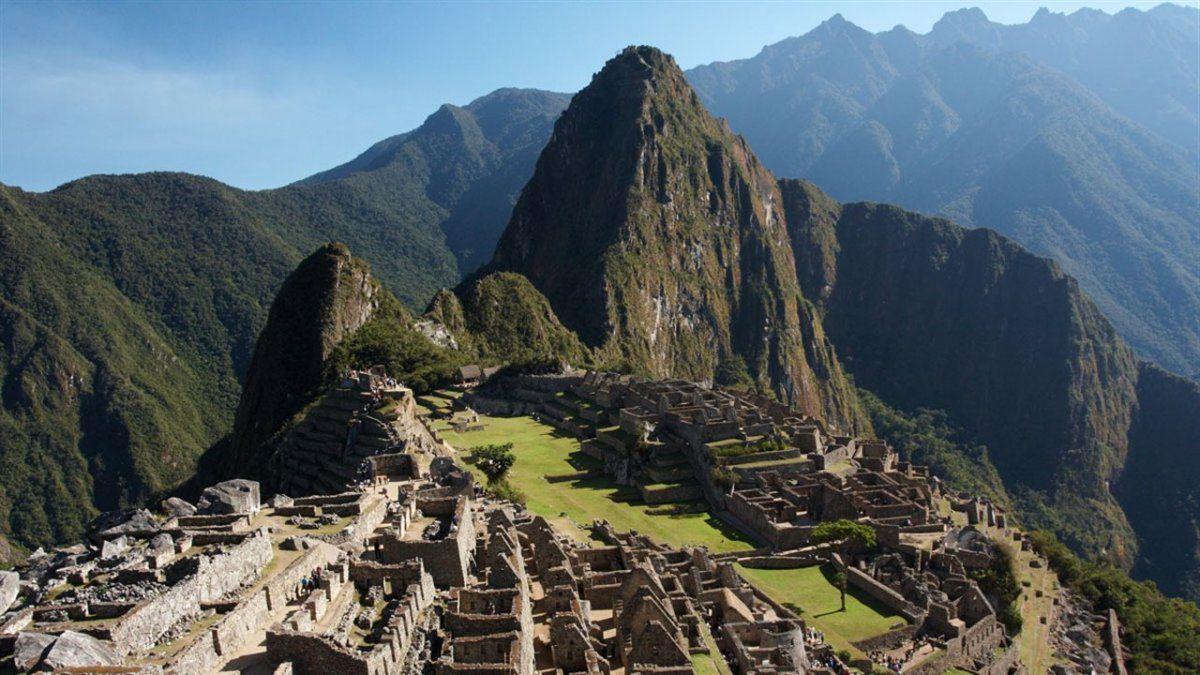 Dos años de prisión en suspenso al argentino que destrozó parte del Machu Picchu