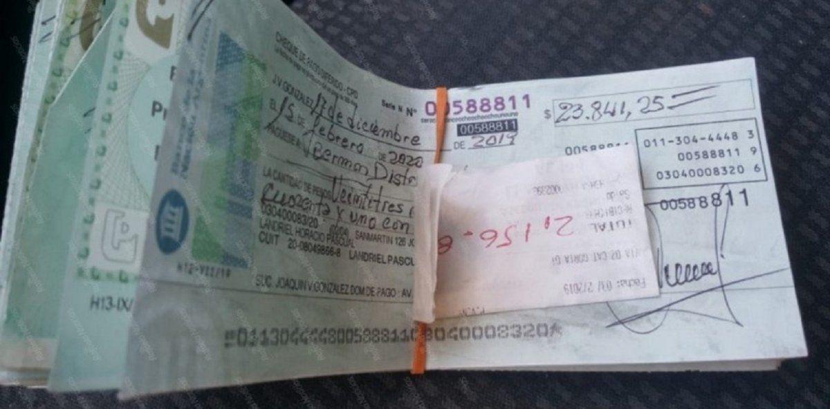 Luis Spahn encontró cheques por $2 millones, los devolvió y le dieron una pala de recompensa