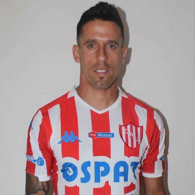 Javier Cabrera llegó a Mar del Plata y ya luce la camiseta de Unión