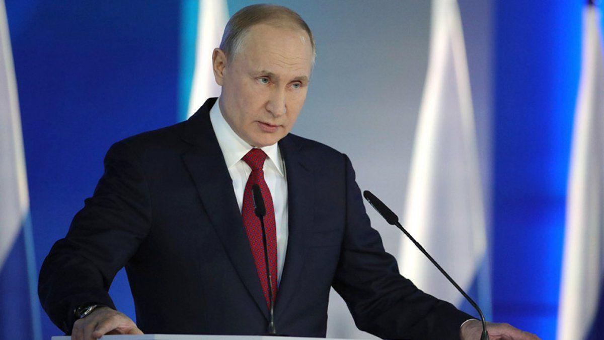 Renunció todo el gabinete de Vladimir Putin, incluyendo el primer ministro de Rusia