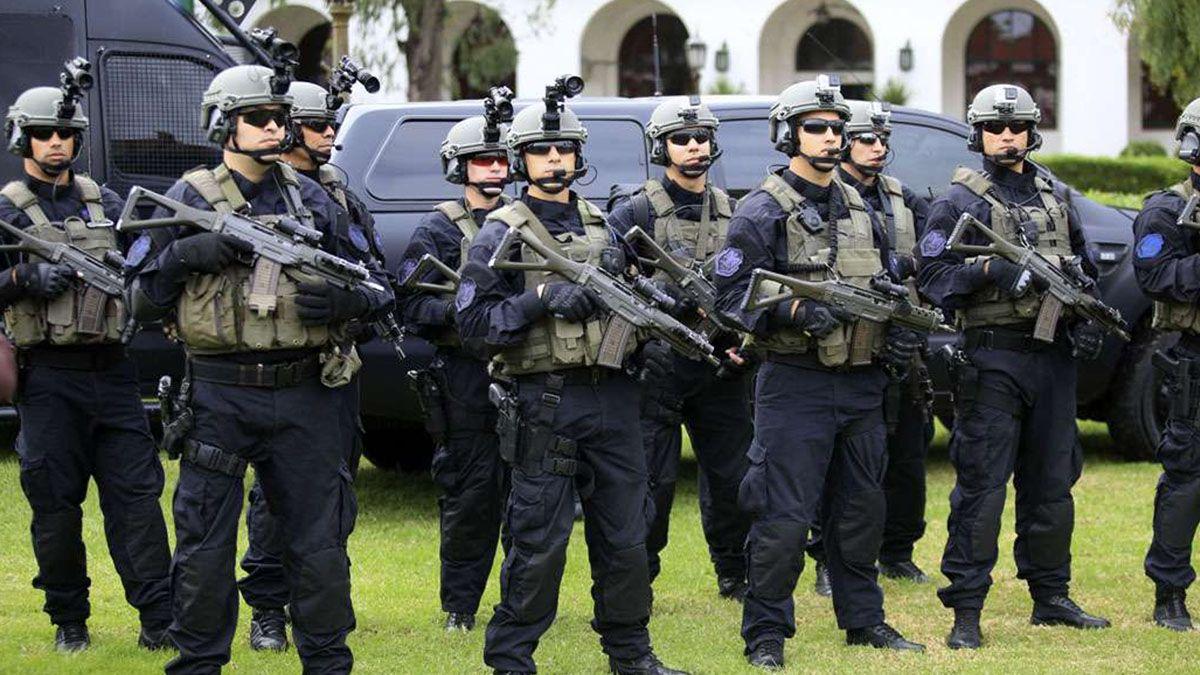 Agentes de Policía Federal Argentina.
