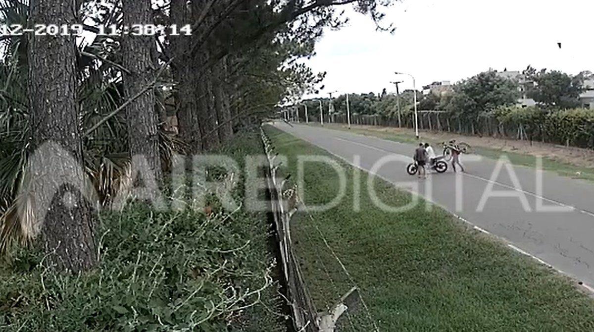 Video: así le robaron dos ladrones la bicicleta a un hombre en la zona de countries