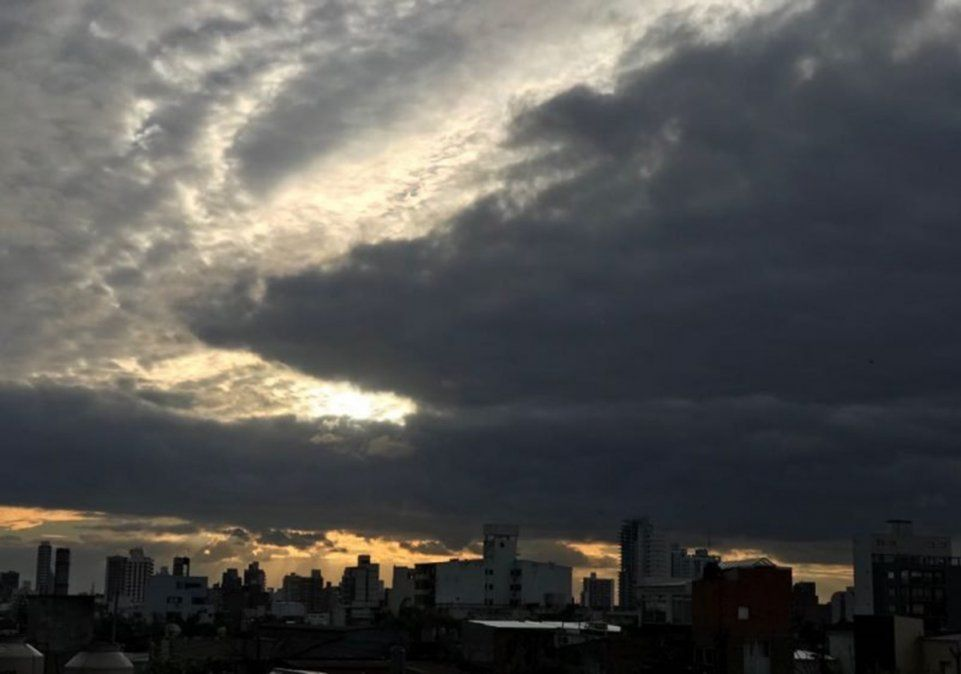 Se espera un jueves inestable y con lloviznas en la ciudad