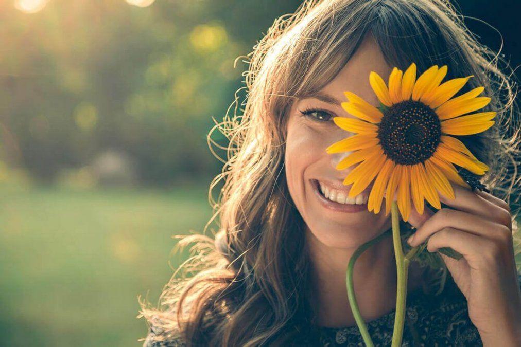 Las personas felices tienen el poder de encontrar la belleza en las cosas más simples
