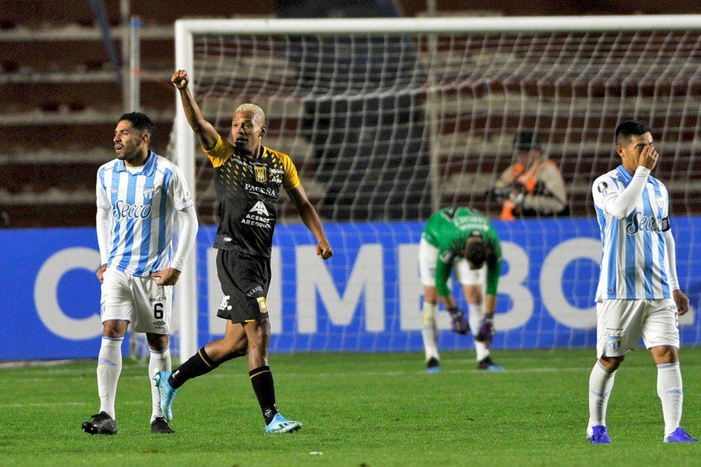 Atlético Tucumán cayó ante The Strongest en la altura de La Paz