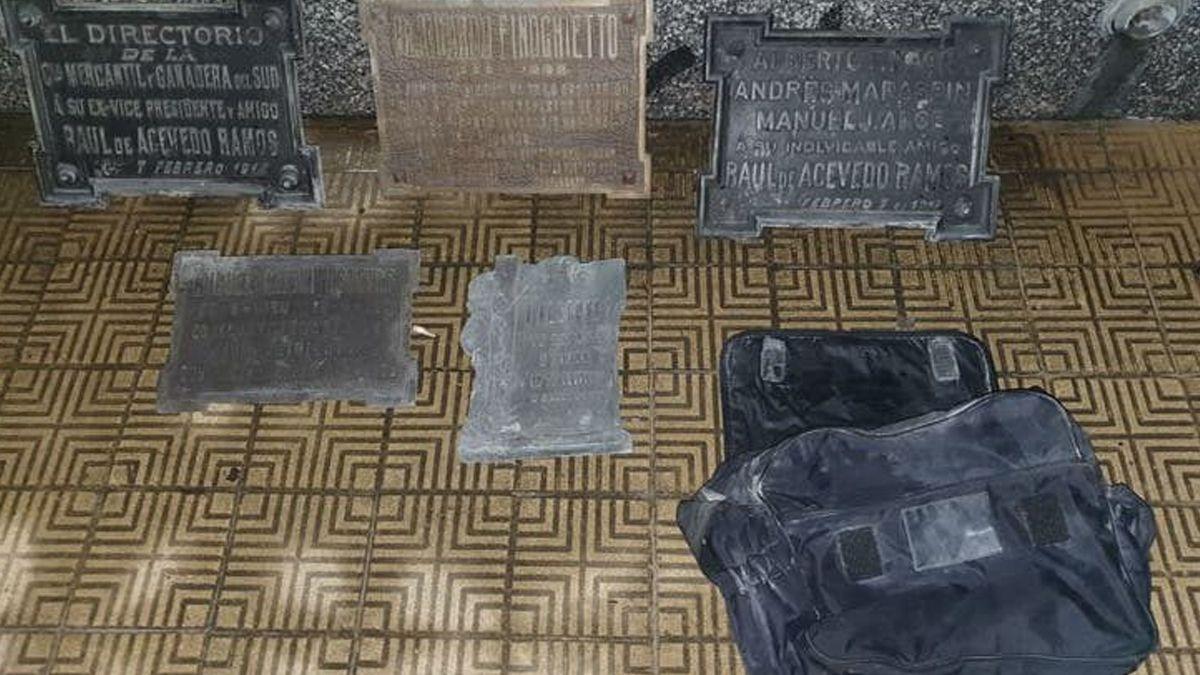 Robaba placas de bronce en el cementerio de Recoleta y lo detuvieron infraganti