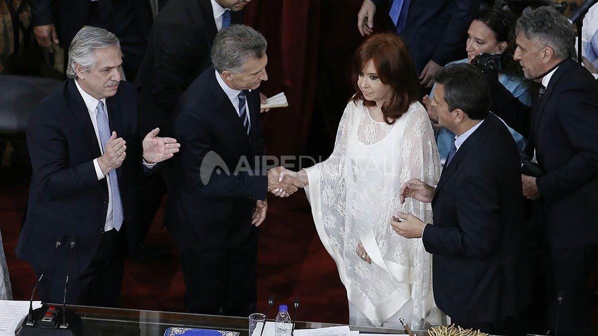 Cristina Fernández y el kirchnerismo están convencidos de que las investigaciones judiciales de los últimos años se produjeron por el impulso de Mauricio Macri.