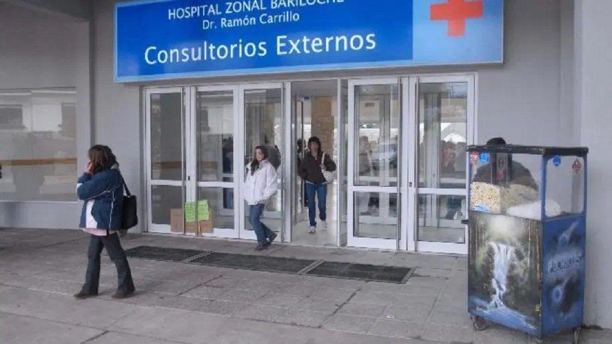 Llegó con barbijo al Hospital de Bariloche, dijo tener coronavirus y encendió las alarmas