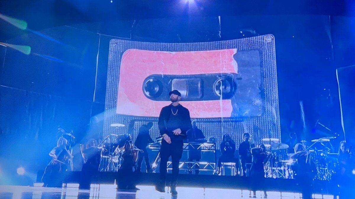 Sorpresa en los Oscars: Eminem interpretó Lose Yourself 17 años después de ganar su premio