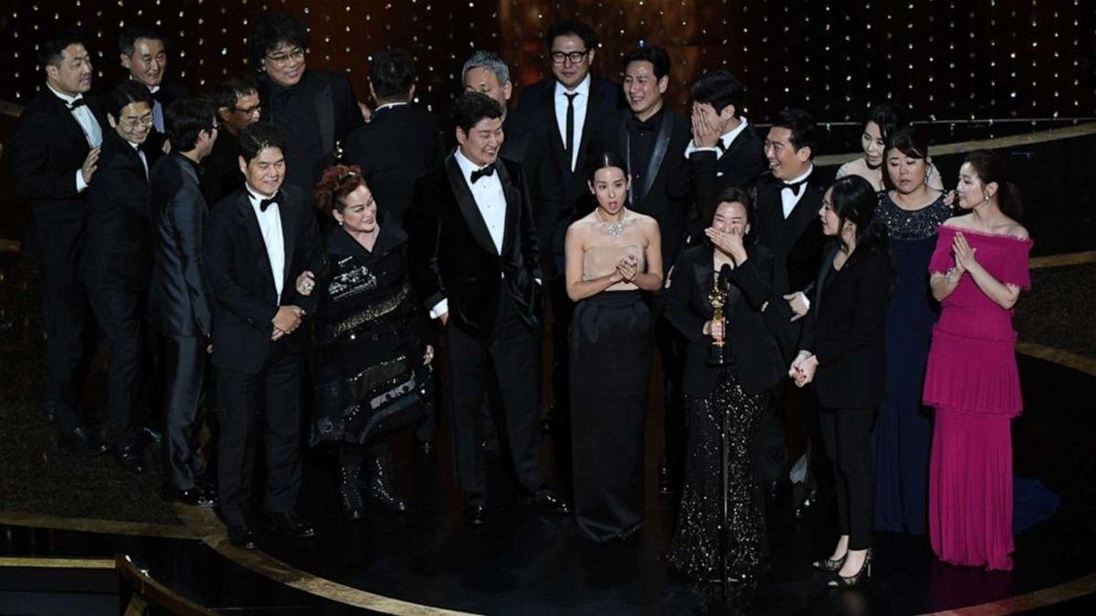 Parásitos hizo historia en los Oscars 2020 al ganar el premio a mejor película