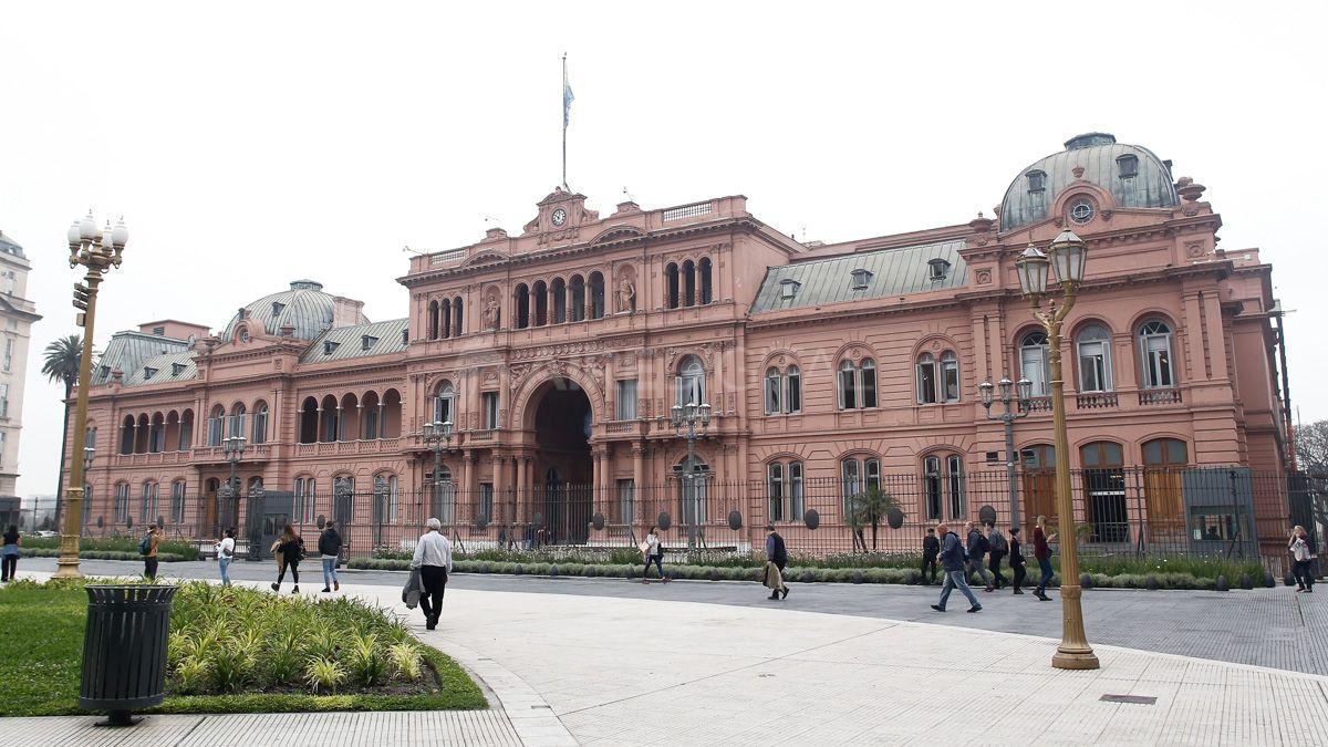ElGobierno afirmó que busca priorizar la prestación de los servicios a cargo del Estado Nacional.