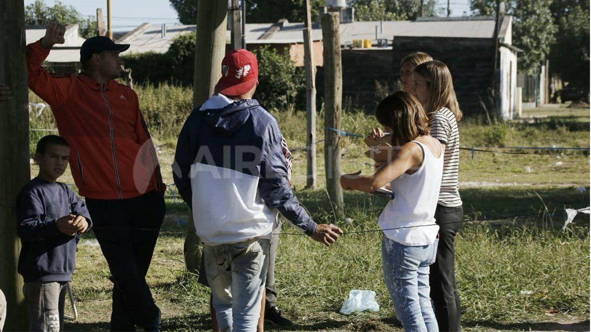 Usurpaciones: desalojaron un sector y 35 familias se resisten a abandonar el lugar