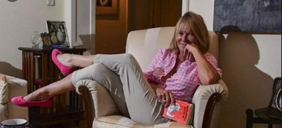 Soledad Silveyra: Me gustaría poner de moda el pañuelo naranja