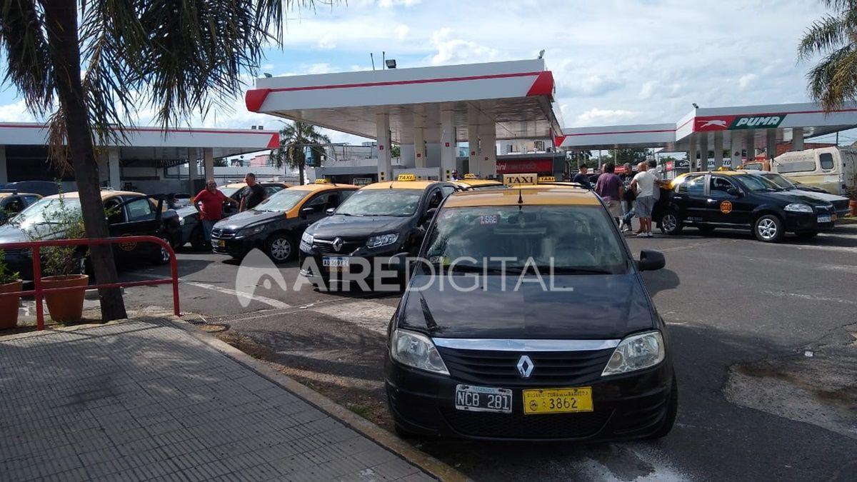 Los taxistas de Rosario se concentran y paran este jueves para reclamar por el crimen de Escobar.