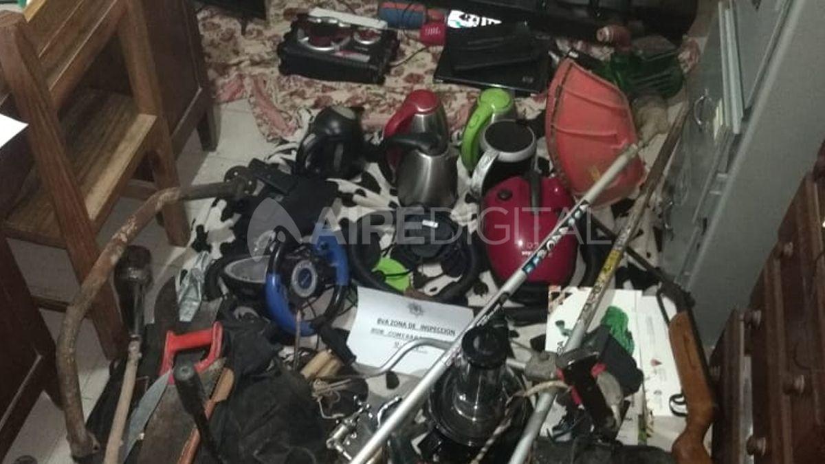 En el allanamiento se logró el secuestro de gran cantidad de bienes de origen incierto