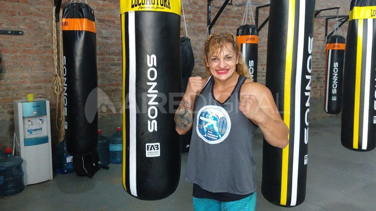 Velada boxística en el club Ferroviario a beneficio de la nueva escuela de boxeo de la Locomotora Oliveras