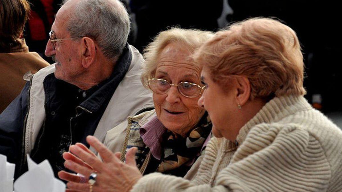 El Gobierno anunció una suba del 13% en las jubilaciones mínimas y AUH