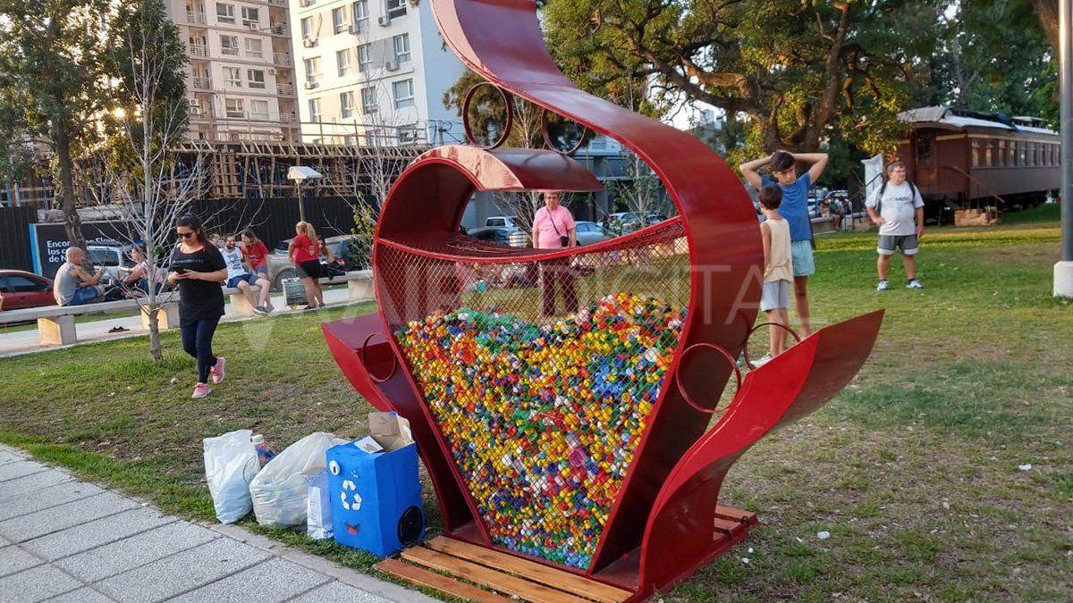 Inauguraron un monumento al corazón de los niños en el día de las Cardiopatías Congénitas