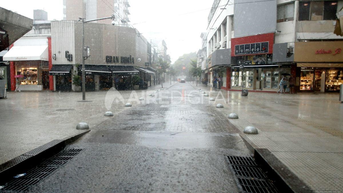Este viernes pueden ocurrir algunas lloviznas en la ciudad de Santa Fe y alrededores.