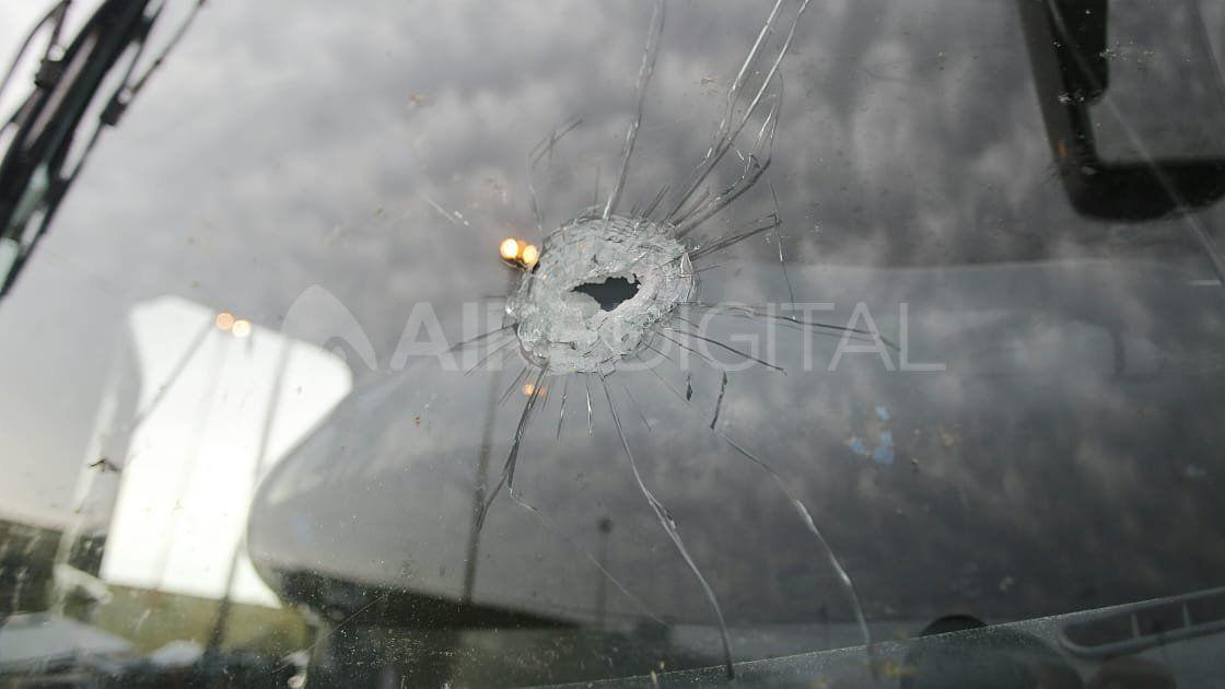 Dos colectivos fueron baleados este lunes a la mañana en la Ruta Nacional N°168 a metros de la Ruta Provincial N°1