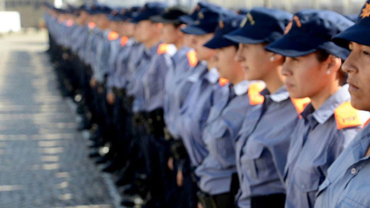Acoso, abuso y falta de cupo: por qué hay pocas mujeres en la escuela de Policía