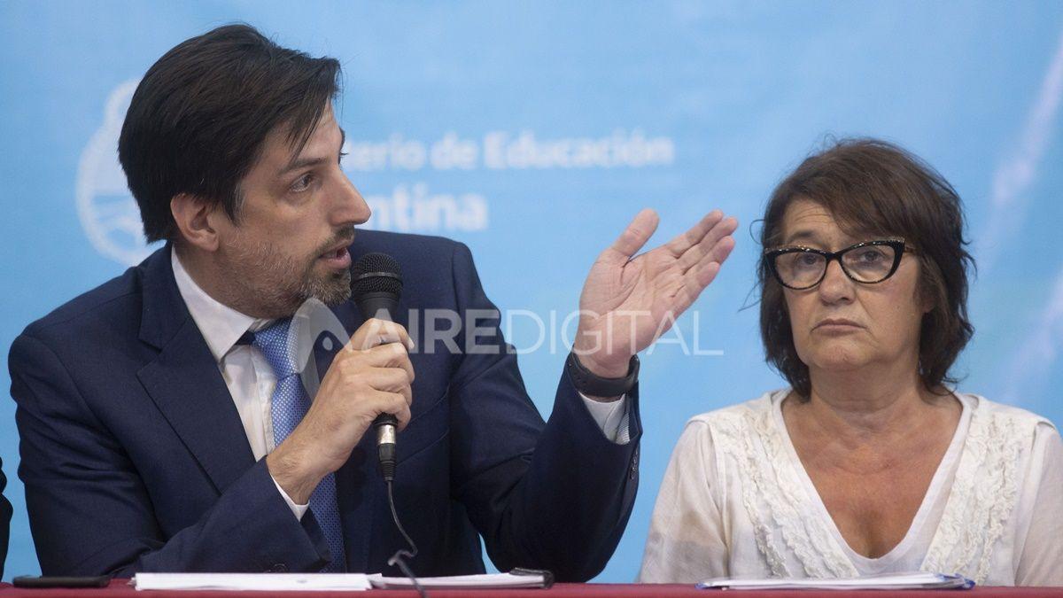 El ministro Nicolás Trotta junto a Sonia Alesso