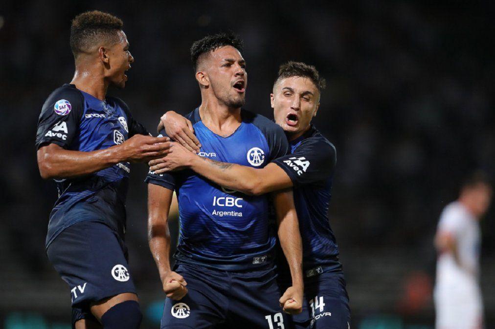 Talleres se repuso y derrotó 4-2 a Huracán en Córdoba
