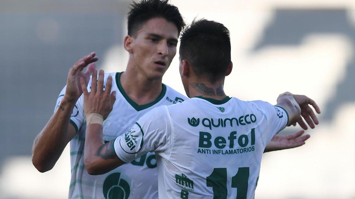 Sarmiento de Junín goleó a Douglas Haig y avanza en la Copa Argentina