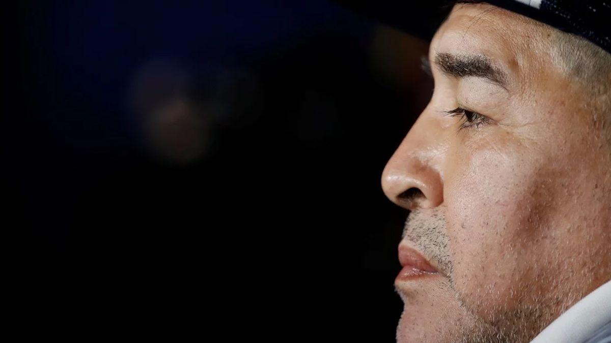 Maradona, picante: Los que ganaron mucha guita deberían ayudar a los pibes del ascenso