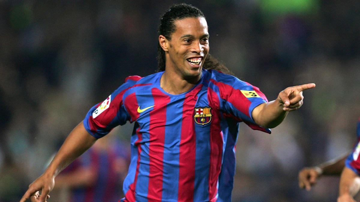 Sonríe la pelota: Ronaldinho cumple 40 años