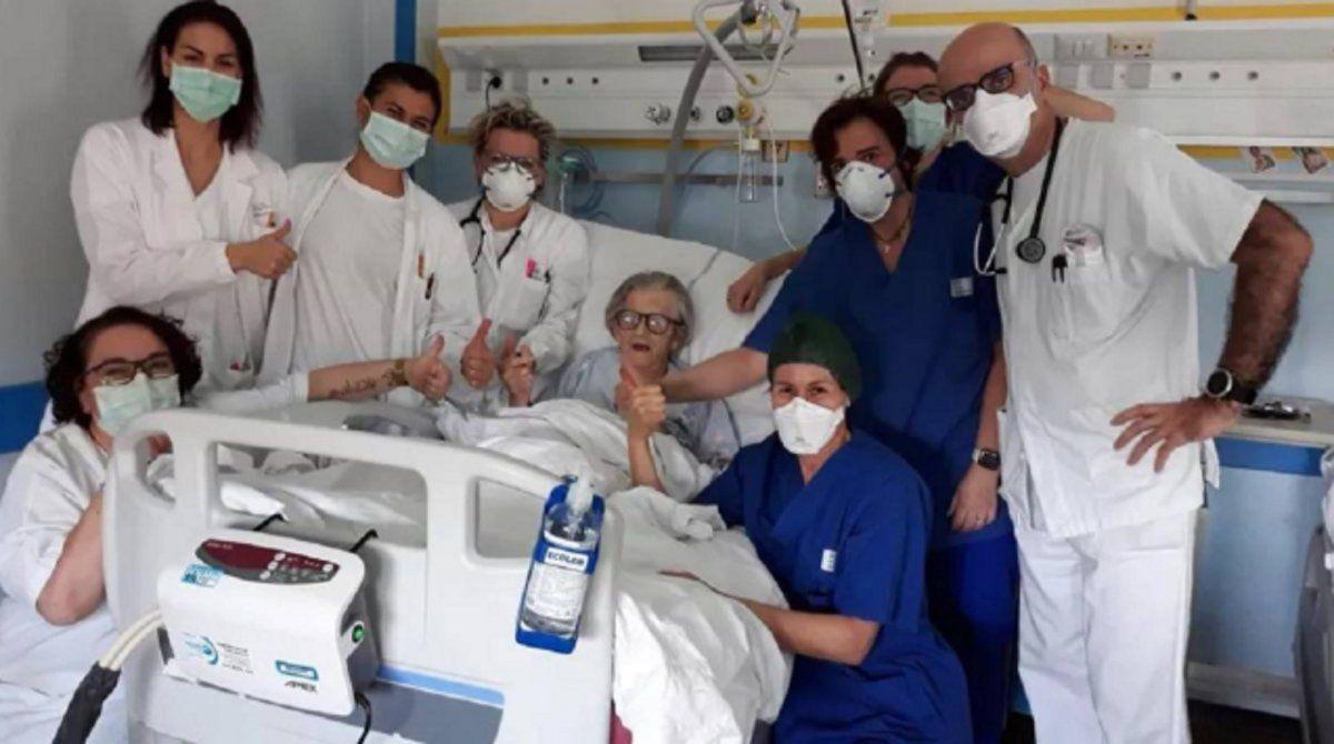 Una señora de 95 años vence al coronavirus en Italia