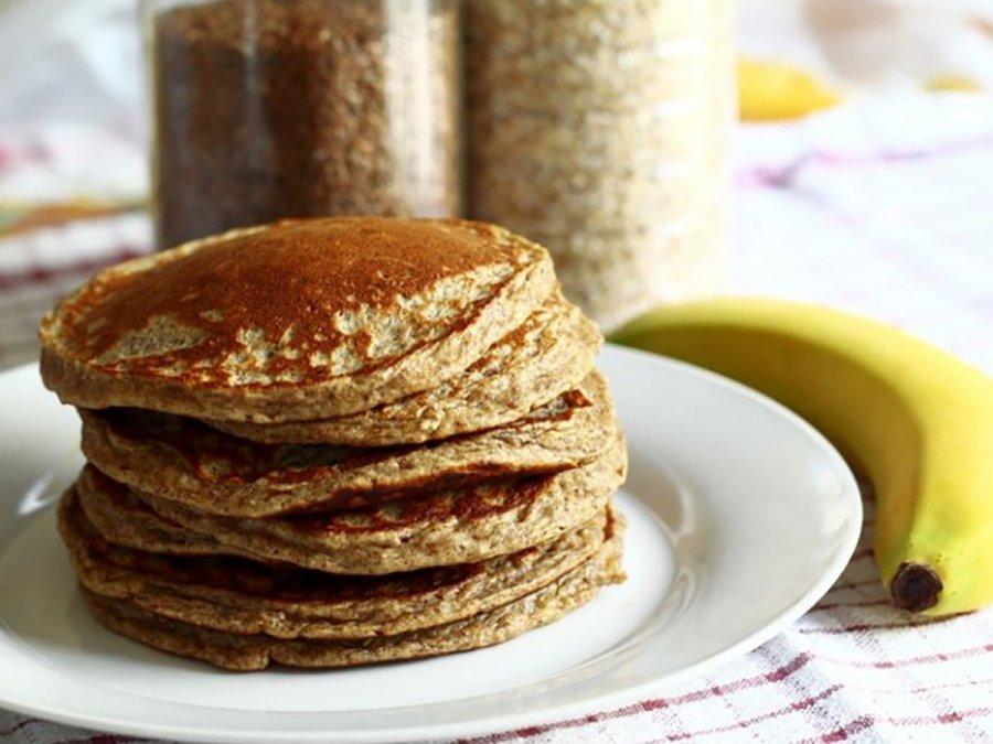 Panqueques de avena y banana, el desayuno ideal para mantener tu peso