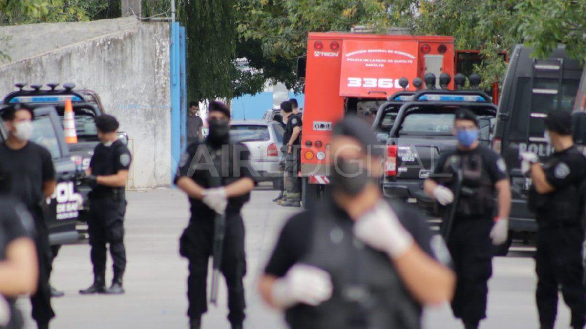 Gritos, disparos y heridos en un conflicto en la Cárcel de Las Flores