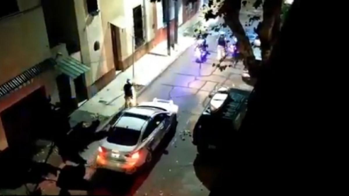 Levantan la custodia policial de El surfer de Panamericana pero no le devuelven la camioneta