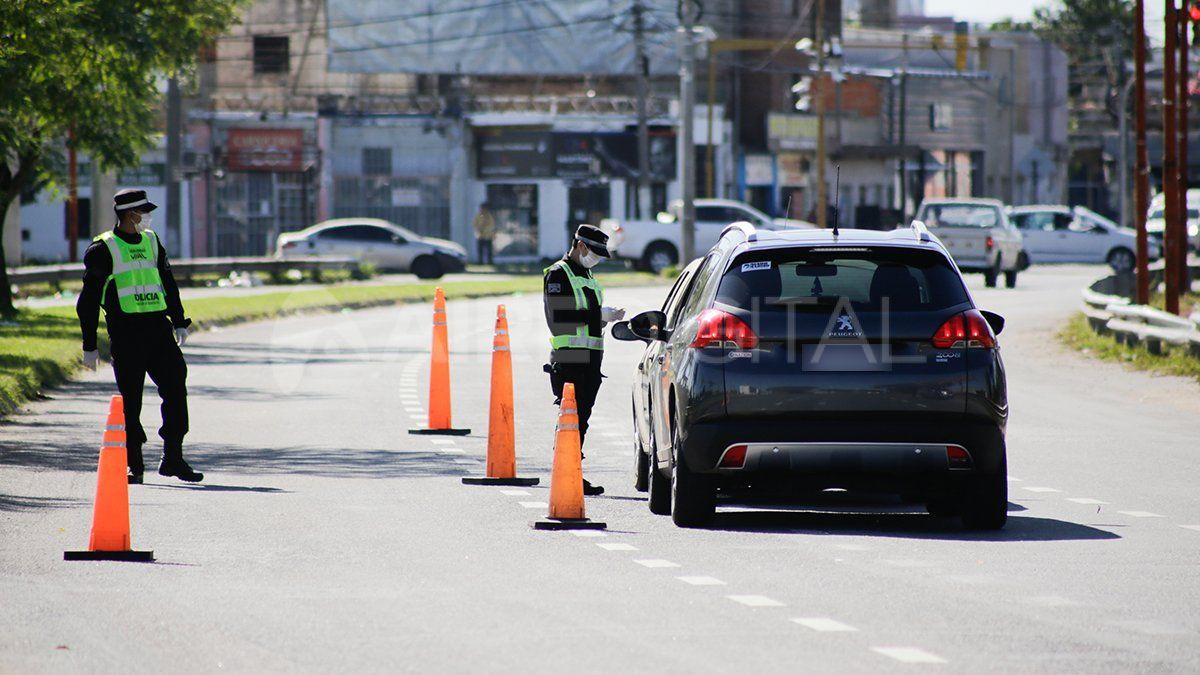 Tanto fuerzas provinciales como federales patrullan la ciudad y realizan constantes controles.