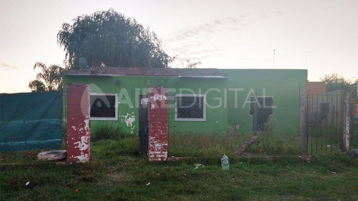 Los ladrones se escondieron en una vivienda abandonada pero fueron descubiertos por los vecinos enfurecidos.