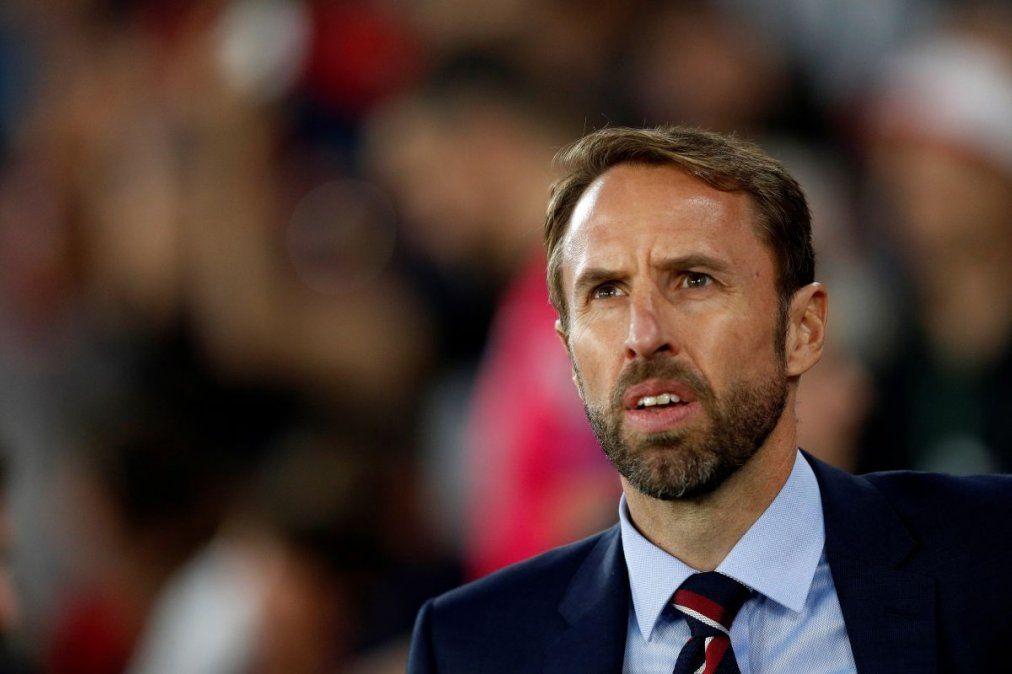 La Federación Inglesa de Fútbol le baja el sueldo al DT de la selección