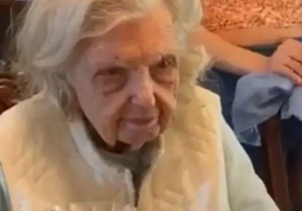 Paige Kidder es una señora que se volvió viral por el pedido que hizo mientras celebraba sus 94 años junto a su familia