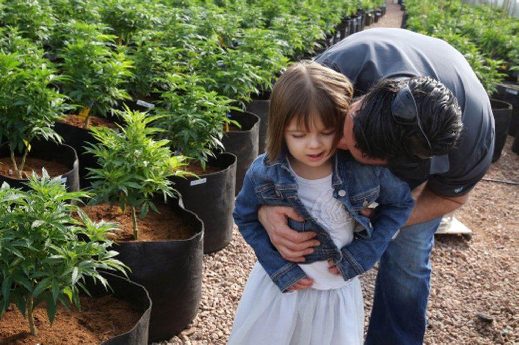 A los 13 años, murió de coronavirus la niña que inspiró el aceite de cannabis Charlotte
