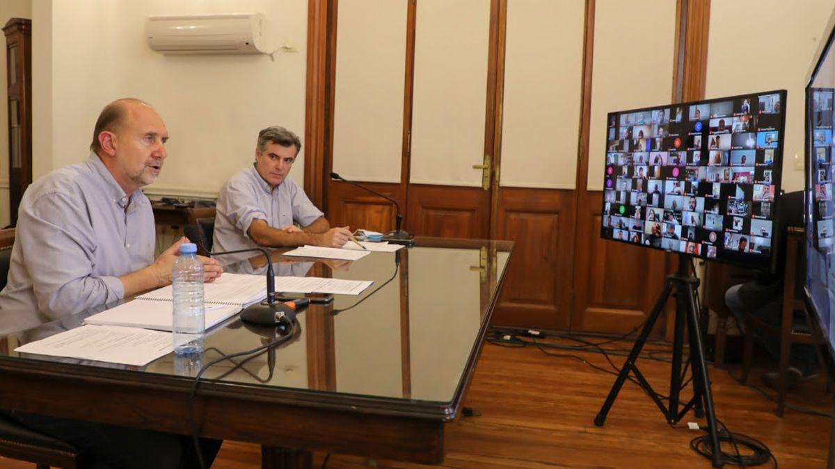 Esta tarde el mandatario encabezará un encuentro virtual con los municipios y comunas interesados en cotejar los criterios para poner en marcha las primeras actividades deportivas.