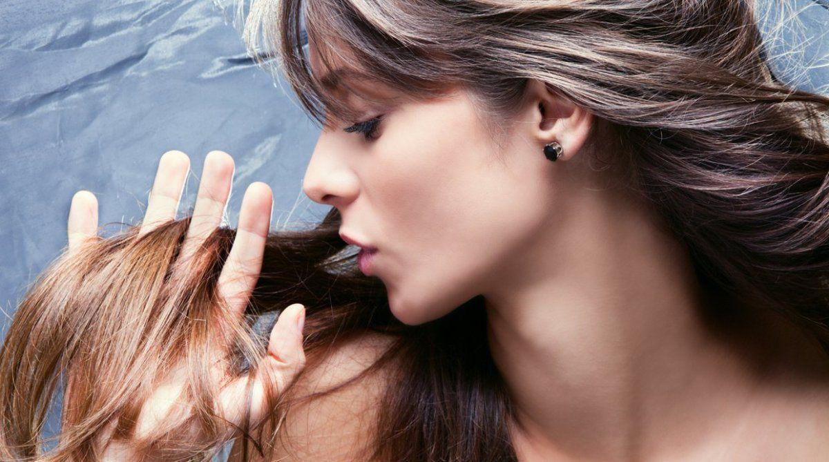 Mascara capilar para nutrir las puntas y eliminar el frizz