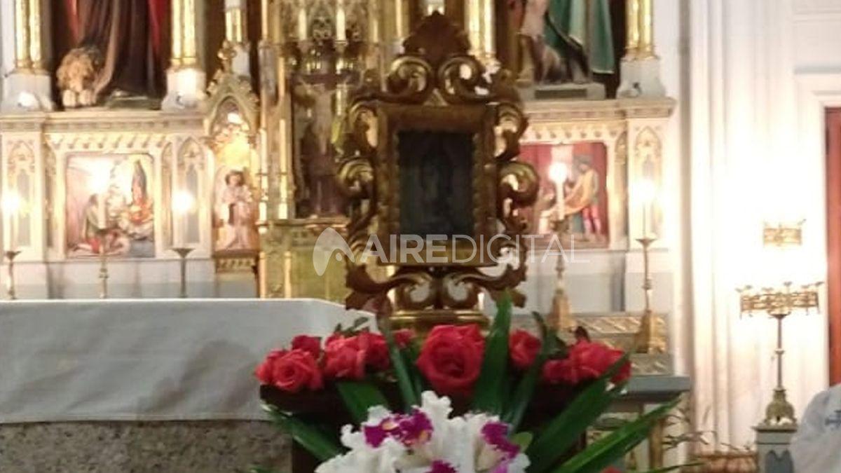 Histórica Fiesta de la Virgen de Guadalupe: la estampa que dio lugar a su devoción bajó al altar