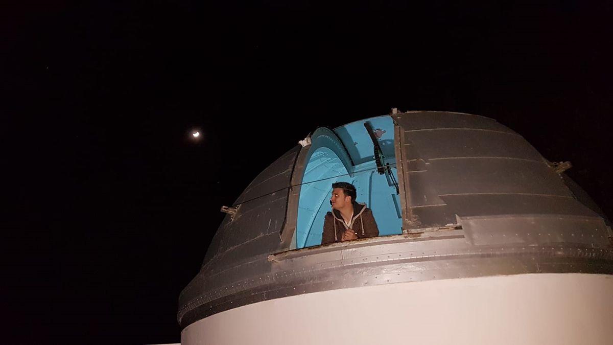 Ángel Molinaes secretario de laAgrupación Astronómica de San Fernando (Cádiz)y dirige un proyecto llamadoEl Diario del Astrónomo.